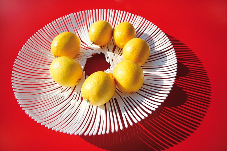 Para lucir esas frutas frescas en tu mesa, Anemone las hará ver como nunca. Hecha en acrílico. Diámetro: 32,8 cms. $21900