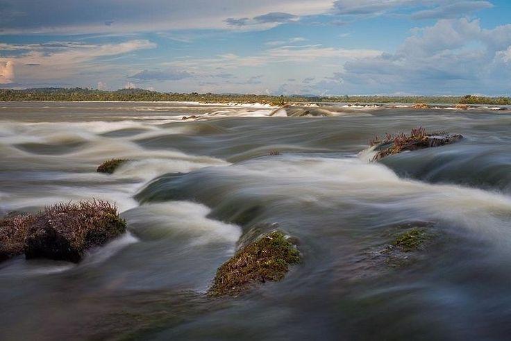 O Parque Nacional da Amazônia, localizado no município de Itaituba, na região sudoeste do Pará, protege inúmeras nascentes que contribuem para a formação dos rios Amazonas e Tapajós. Os principais atrativos são o circuito de lagos e a trilha de 2,6 km de extensão. A melhor época para visitá-lo é entre julho e outubro, quando as temperaturas são mais amenas e os dias mais claros. É importante levar sua própria alimentação e também água potável. A infraestrutura de atendimento ao visitante é…