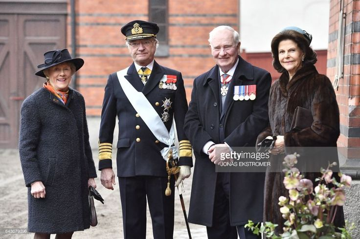 King of Sweden Carl Gustaf (2nd L) and Queen Silvia of Sweden (R) pose with Governor General of Canada David Johnston (2nd R) and his wife Sharon Johnston (L) at the Royal Mews in Stockholm, Sweden, on February 20, 2017.Johnston's four-day State Visit wil