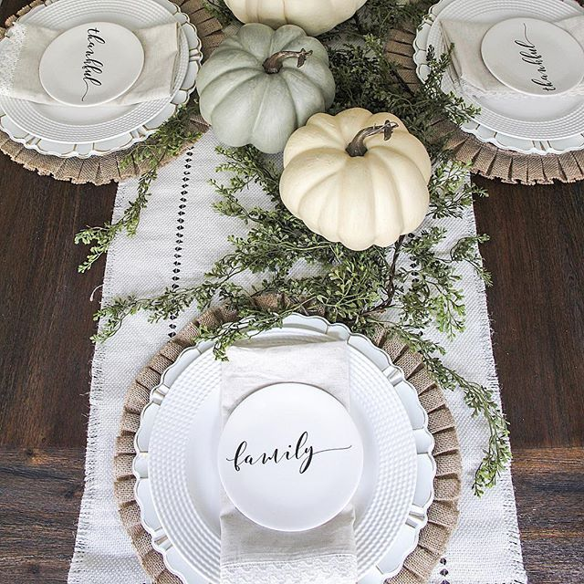 thanksgiving table setting, fall tablescape, farmhouse style, dining room decor