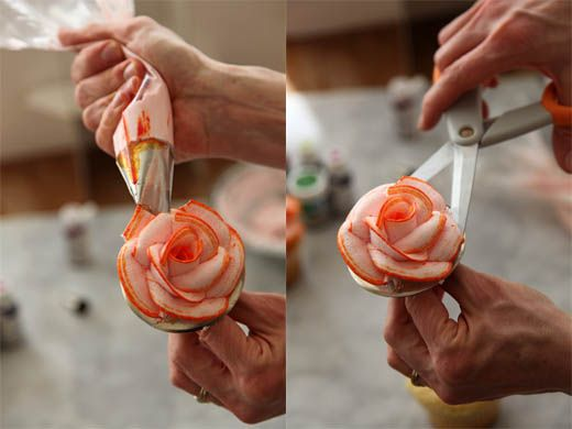 How to pipe roses and have colored edges on the petals - good step-by-step piping photos & frosting recipe