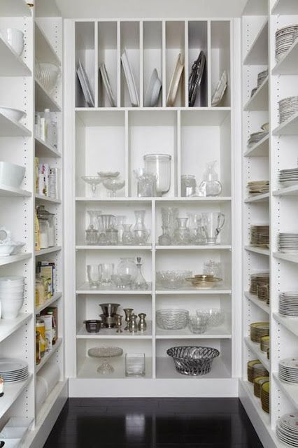:: Havens South Designs :: loves a walk-in pantry. This one is small but well proportioned and its floor to ceiling height well utilized.