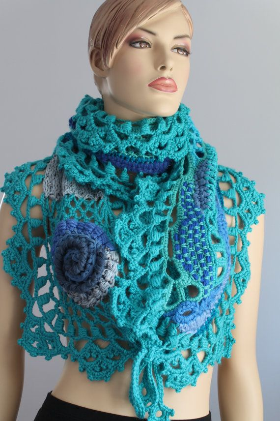 SALE 30 % Off Blue Turquoise Freeform Crochet  por levintovich
