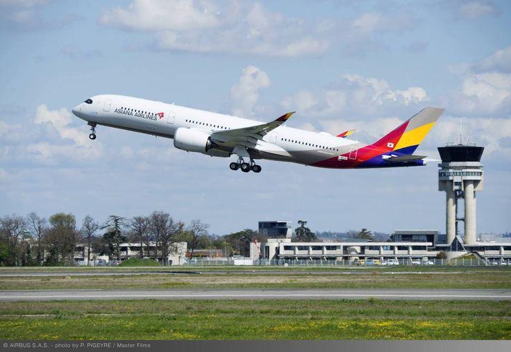 Le futur exemplaire d'Airbus A350 destiné à la compagnie Asiana Airlines a réussi son envol aujourd'hui depuis l'aéroport de Toulouse-Blagnac. Ce premier vol marque le début des essais en vol…