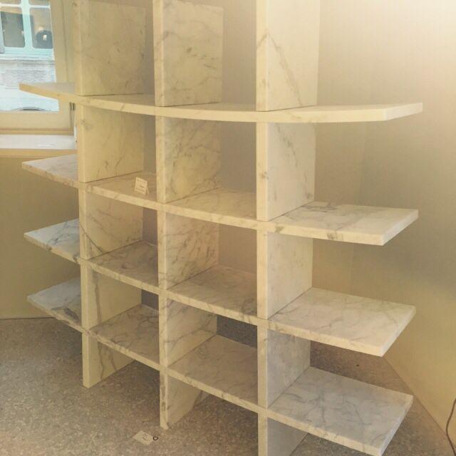 #bend #bookcase #carradesugnfactory #carrara #marble