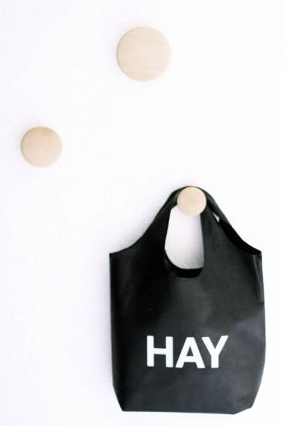 Via Mittlillehjerte | HAY | Muuto The Dots | Black White Wood
