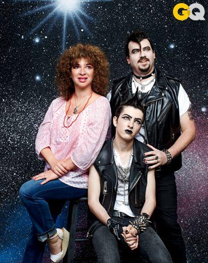 Danny McBride & Maya Rudolph recreate awkward family photos gq magazine comedy issue 03