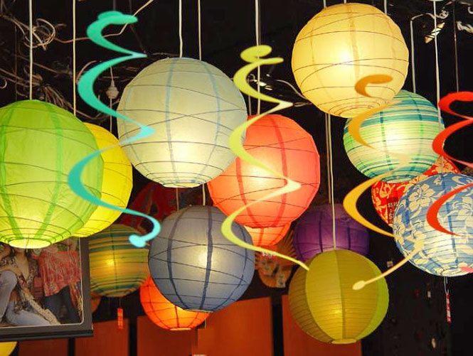 Lantern Decoration | lanterns you see them everywhere for home decor outdoor decorating ...
