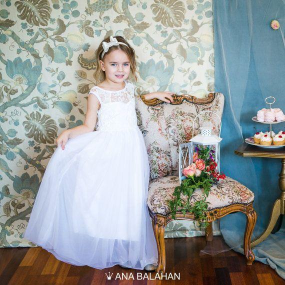 V-hals bloem meisje jurkje  wit & IVOOR bruiloft Junior