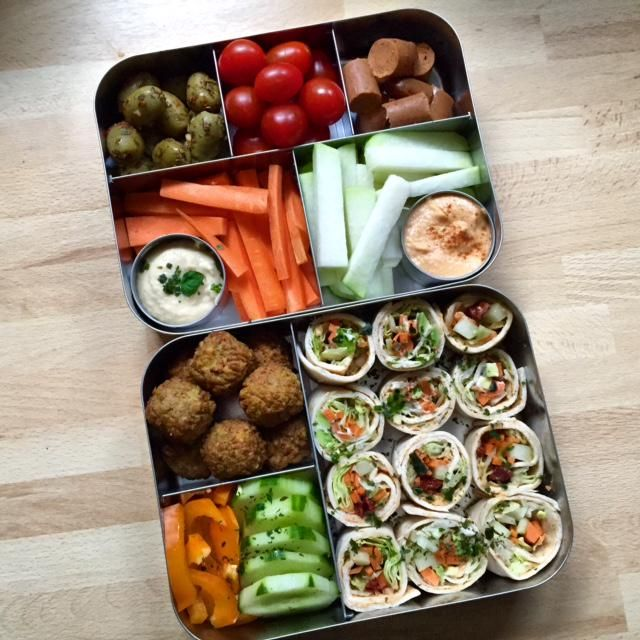 work lunch in the lunchbots bento cinco and lunchbots bento trio work lunches pinterest. Black Bedroom Furniture Sets. Home Design Ideas