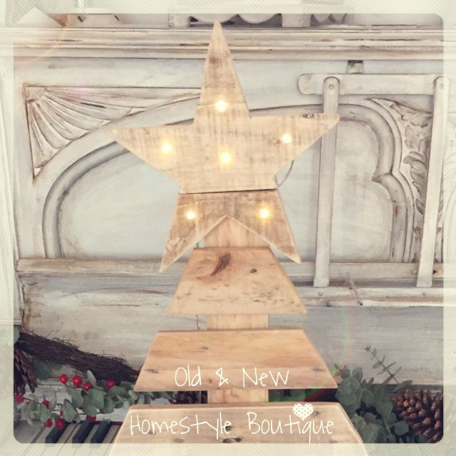 Pallet wood Christmas tree with light up star ️ ...