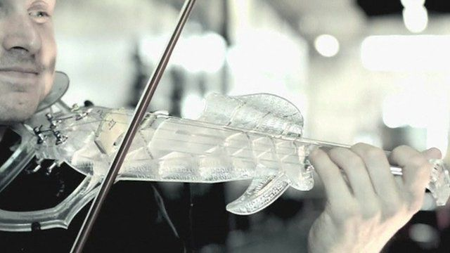 Engineer produces 'world's first' 3D printed violin - BBC News