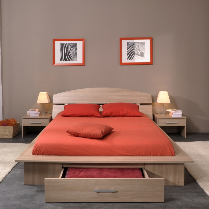 Enhance the beauty of your #bedrooms by adding #wooden #beds