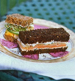 Tea Sandwiches are an elegant and easy finger food that can be catered too all kinds of tastes. You don't have to have afternoon tea to have tea sandwiches (though afternoon tea is a great idea for a bridal shower too). http://wiki.weddingbee.com/images/7/76/Ehow.jpg