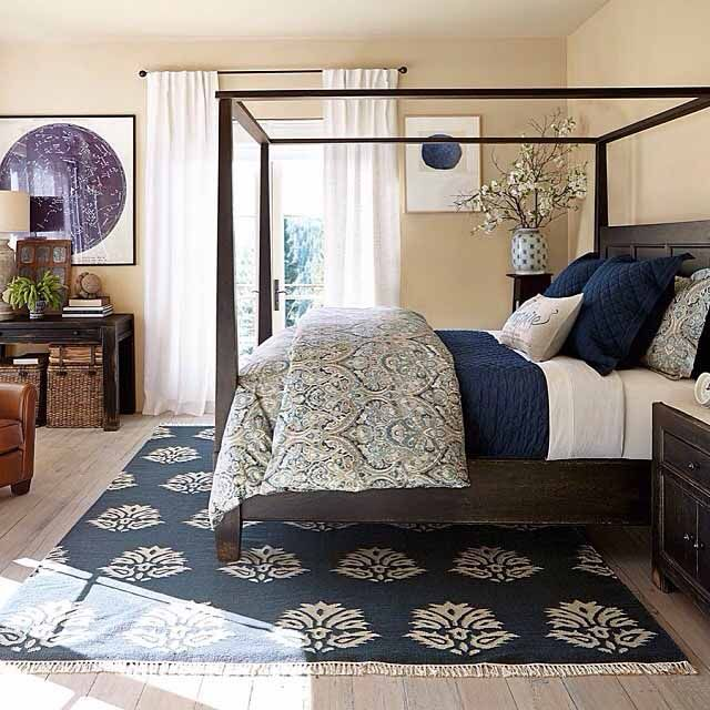 The hubby likes this.  However I can never get my bedding to look so..... put together:/