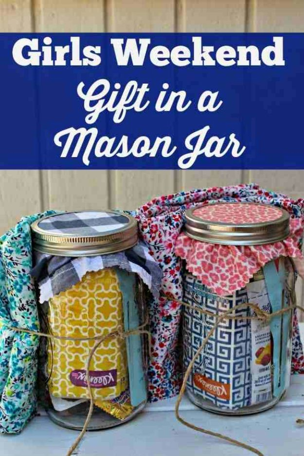 DIY Christmas Gifts for Friends and Family! Girls Weekend Gift in a Jar