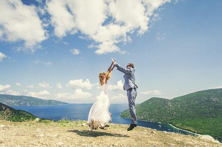 Flying together in the sky..... #mythosweddings_weddingphotos_mythosweddings_kefalonia