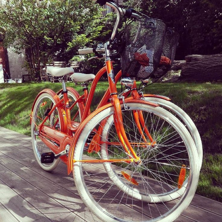 Holandske bicykle v bajkule  #amsterdam #fashion #leto #dopracenabicykli  #modnapolicia