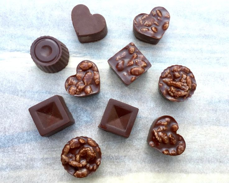 5 ingredient chocolate crunch bites!  Recipe here: https://www.healthymummy.com/recipe/5-ingredient-chocolate-crunch-bites/?lbwref=83&utm_content=buffer2d4be&utm_medium=social&utm_source=pinterest.com&utm_campaign=buffer