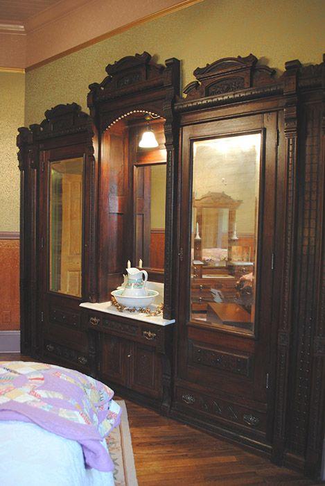 Victorian Bedroom Colors best 25+ victorian bedroom ideas on pinterest | victorian bedroom