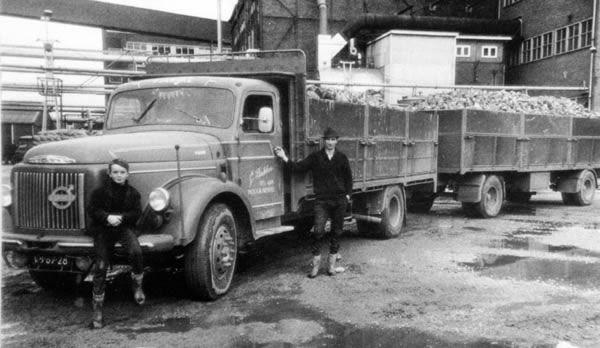 Oude trucks in zwart/wit /Volvo VB-67-28.jpg