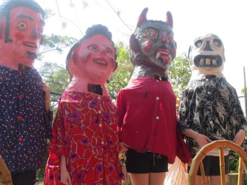 """Costa Rica mask making   A Spring Break Volunteer Trip to Costa Rica - @Lisa Goodmurphy: """"This is a guest post by my 17 year-old daughter, Katie Prestage (with editorial assistance from her teacher Ms. Christy Meagher), about her spring break volunteer trip to Costa Rica..."""""""