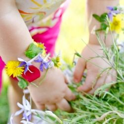 DIY wildernis armbandjes  #zomer #ekkomi #kindercoach http://www.pinterest.com/ekkomikndrcc