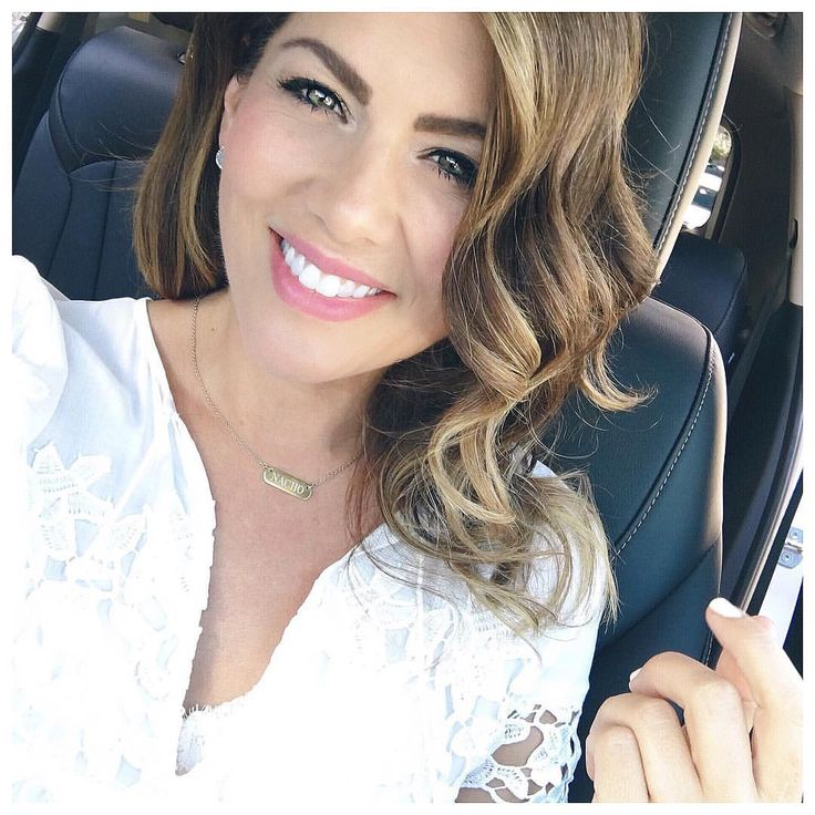 Host of W Networks & HGTV Love it Or List it Vancouver, former ABC's Bachelorette & quintessential busy bee snapchat : Jillian-Harris
