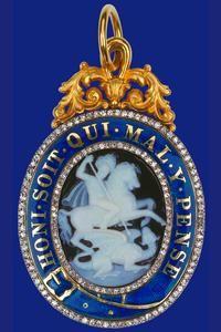 Queen Elizabeth Insignia - The Queen's Cameo and Enamel Garter Badge