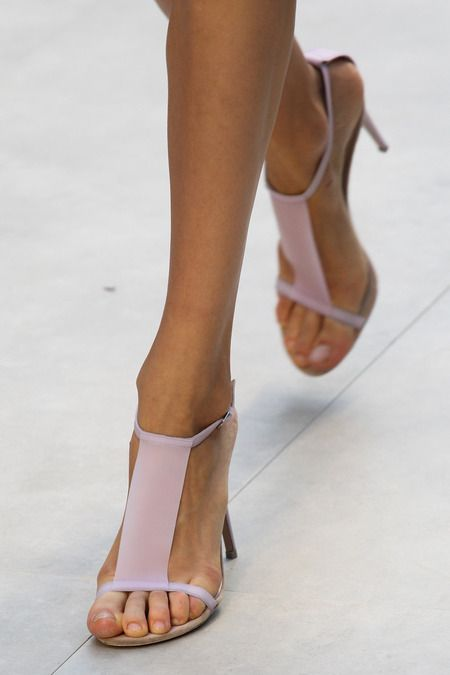 Love me some Burberry. These are the perfect Spring heel. // Burberry Spring 2014