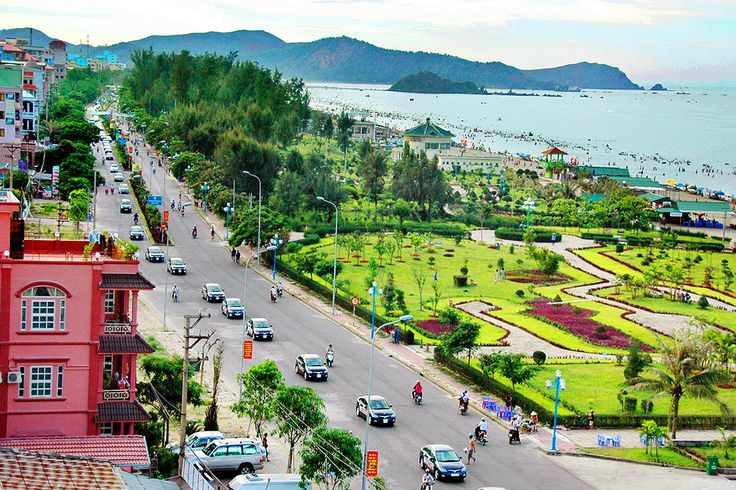 Join us, you will explore: -A local view of stunning Vinh with Song Lam (Light Blue River), Phuong Hoang Trung Do (Phoenix Capital with Gloriuos Quang Trung King Temple), Dung Quyet Mount, Ho Chi Minh Square, and so on. -Best local specialty foods only locals know and you will definitely love them. -Devoted guides who tell you stories all about our lovely hometown. -100% money back guarantee if you are not satisfied with our service.