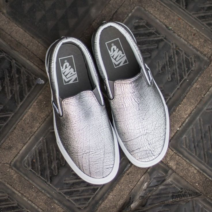 25 best ideas about slip on on pinterest vans slip on shoes slip on shoes and rose gold shoes. Black Bedroom Furniture Sets. Home Design Ideas