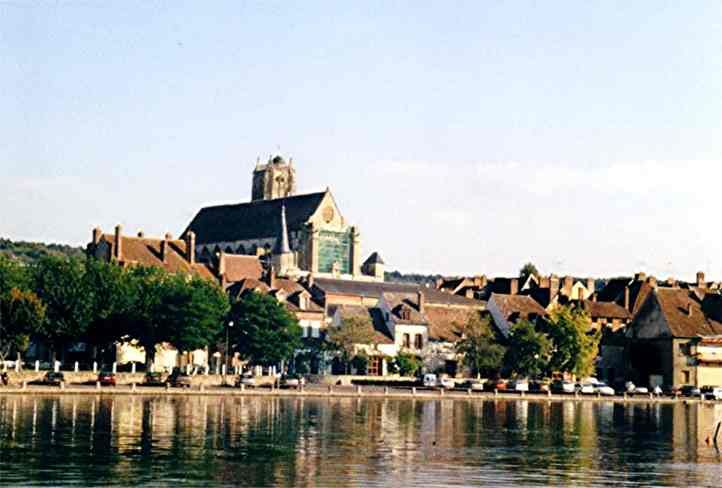 Villeneuve sur Yonne - Région de Joigny - Yonne