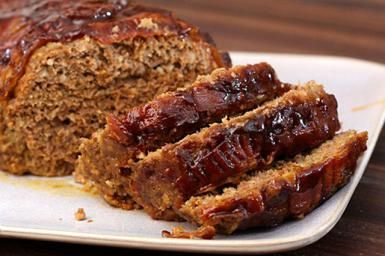 Simple Meatloaf with Savory Rosemary and Bacon Topping: Basic Meatloaf with Bacon
