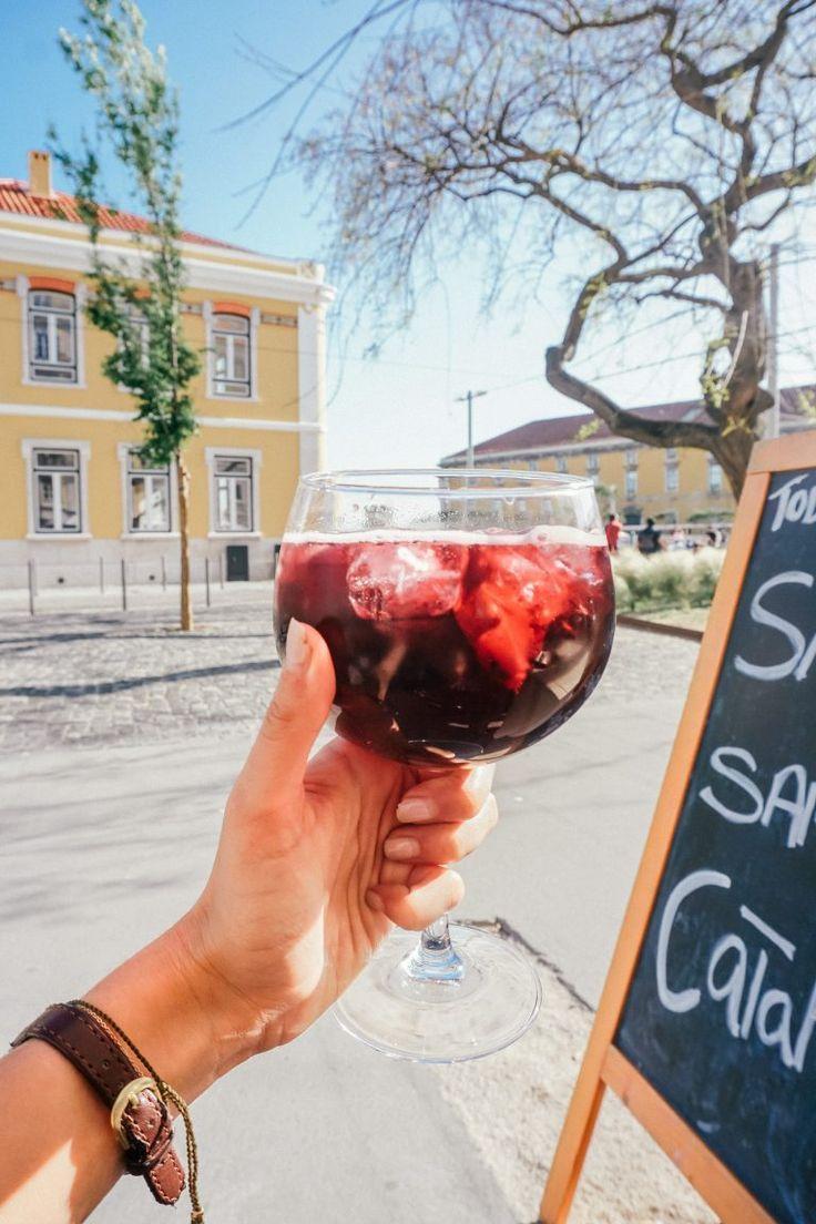 Drinking A Cold Sangria Is One Of Lisbon S Best Activities Lissabon Reizen