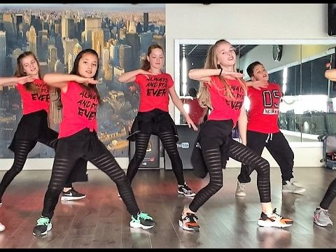 Side to Side - Ariana Grande - Watch on computer/laptop - Easy Kids Dance Warming-up - Fitness - YouTube