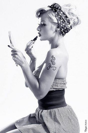 Beauty look rétro: nos conseils make-up, coiffures et manucure