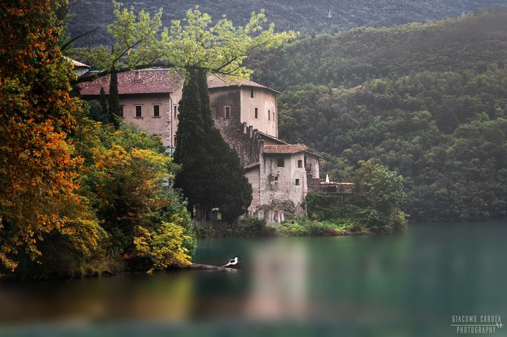 Castel Toblino - Lago di Toblino