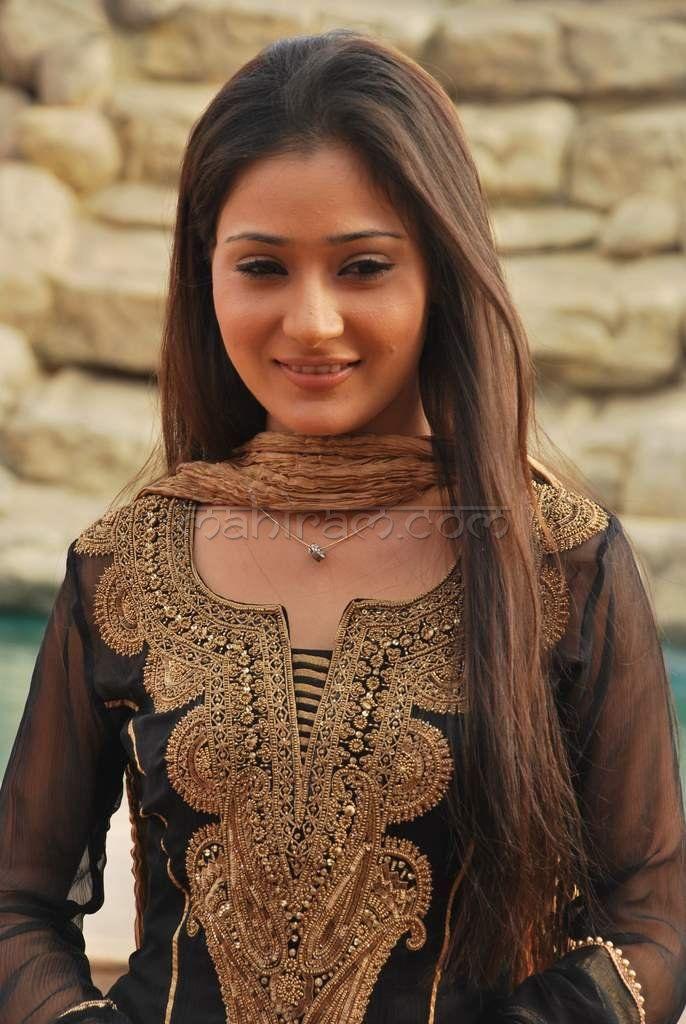 Sara Khan in Salwar