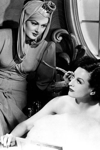 Joan Crawford & Rosalind Russell, in 'The Women', 1939 (Absolutely one of my all time fav movies-if you've never seen it-I think it's a must-especially for women).