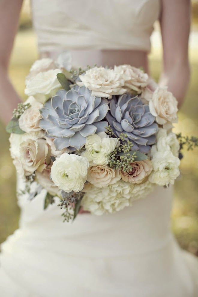 12 Stunning Wedding Bouquets - 32nd Edition | bellethemagazine.com