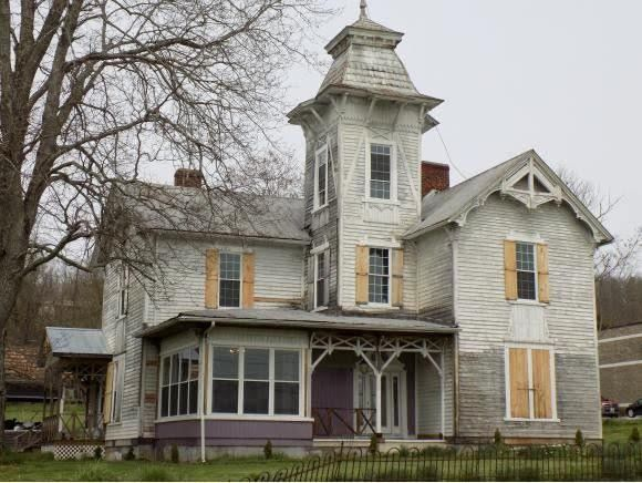 1865 Fixer Upper For Sale In Jonesville Virginia Old House Dreams Building A House Mansions For Sale