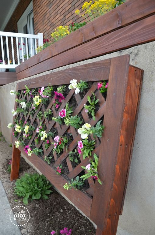 Diy vertical flower bed gardens growing plants and for Hydroponic grow bed