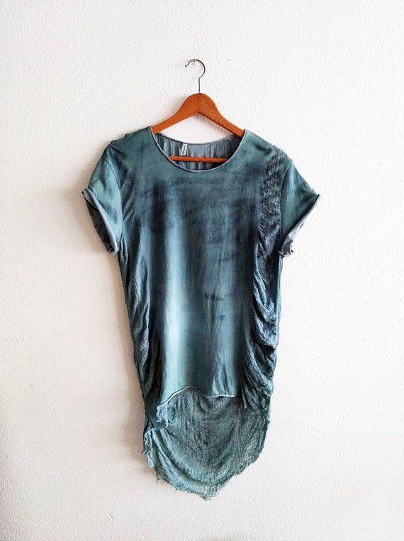 Mira este artículo en mi tienda de Etsy: https://www.etsy.com/es/listing/608060283/summer-shredded-top-tunic-for-women