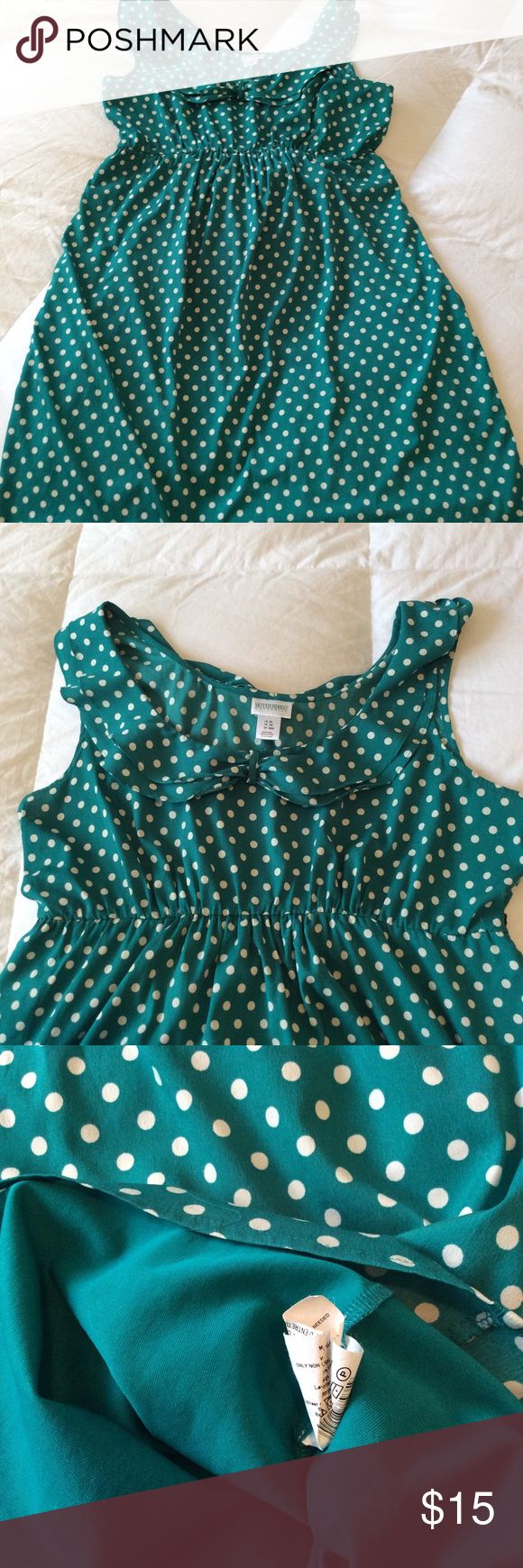 Motherhood Maternity Polka Dot Dress 👗 XL Cute motherhood Maternity dress. Missing the waist tie but I'm sure you can pair it with something nice or just cut the loops off. Cute for a Maternity shoot. Lined. Size XL. 100% Polyester. This dress is green and white. Motherhood Maternity Dresses