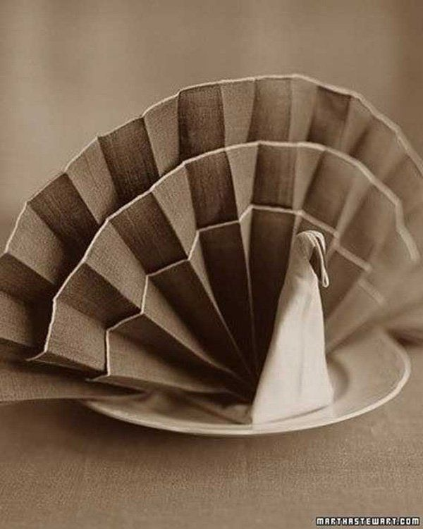 Creative-Napkin-Folds-for-Your-Holiday-Table - 35 Beautiful Examples of Napkin Folding  <3 <3