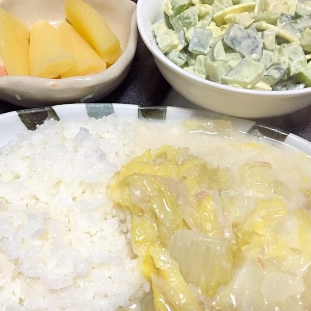 #夕飯 - 5件のもぐもぐ - シーフード白菜シチュー(シーフード→シーチキン)、アボカドきゅうりチーズサラダ、カズノコ。 by ms903