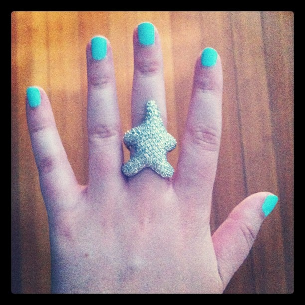 i adore my baublebar starfish ring. click through to get your own!