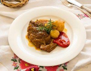 Carne de ternera asada con patatas nuevas. Cocina Gallega | La Cocina de Frabisa