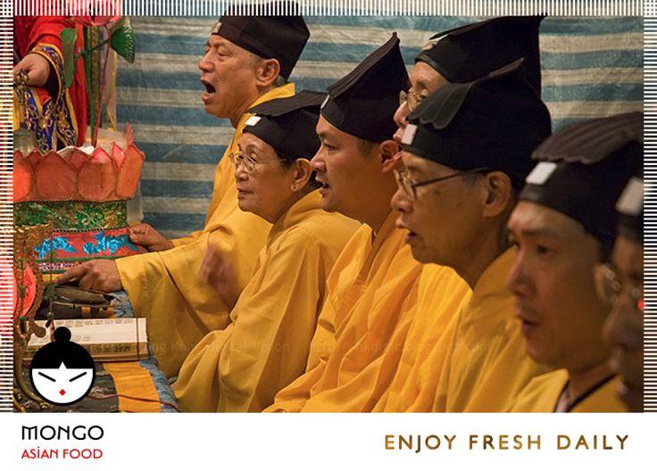 #MongoAsianFood και #Ταοισμός... Γνωρίζετε ότι Η #κινεζική_κουζίνα , η #κινεζική_αστρολογία , η #κινεζική_αλχημεία , αρκετές κινεζικές πολεμικές τέχνες , η κινεζική παραδοσιακή ιατρική, βελονισμός , το φενγκ σούι, πολλά στυλ του τζι γκονγκ , παρουσιάζουν σχέση με τον Ταοϊσμό. Ο Ταοϊσμός είναι μια γηγενής θρησκεία της Κίνας και επισημαίνεται παραδοσιακά στη σύνθεση #Λαοτιανό #Zi_Tao_Te_Ching ( Το βιβλίο #Tao και των αρετών του ) ή στις δημιουργικές εργασίες κοντά #Zhang #Daoling . Η φιλοσοφία…
